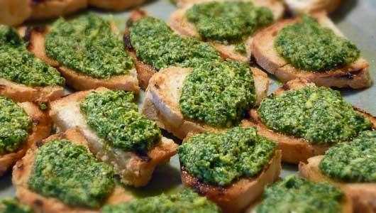 Salsa Verde Canapés